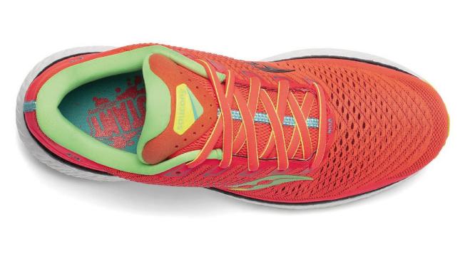 scarpe running triumph 18